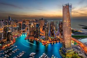 Arabische Megastädte mit Kurs auf die Adria: Dubai - Abu Dhabi - Muscat - Salalah - Hurghada - Eilat - Aqaba - Santorin - Kotor - Triest mit der MS Albatros