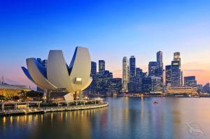 Asiens attraktivste Seiten zwischen Sri Lanka und Sydney: Colombo - Belawan - Port Kelang - Singapur - Semarang - Benoa - Darwin - Cairns - Airlie Beach - Brisbane - Sydney mit der MS Amera