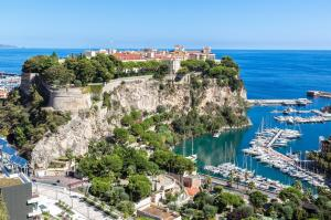 Der Sonne und Wärme hinterher ins Östliche Mittelmeer: Monaco - Valletta - Alexandria - Port-Said - Ashdod - Haifa - Larnaka - Limassol - Alanya - Marmaris - Rhodos - Santorin - Bari - Venedig mit der MS Amera