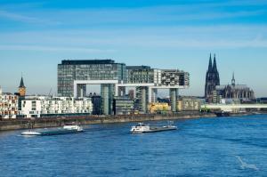Eventreisen & Show Sensationen - HOLLYWOOD CLASSICS: ab/bis Köln mit der MS Anesha