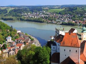 Höhepunkte am Main-Donau-Kanal: Passau - Linz - Würzburg - Köln mit der MS Asara