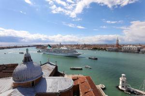 Mediterrane und Atlantische Küsten: Triest - Venedig - Dubrovnik - Valletta - Ibiza - Lissabon - Falmouth - Amsterdam - Bremerhaven mit der MS Artania