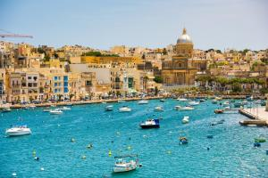 Mit MS Amera bis nach Australien: Monaco - Valletta - Suez-Kanal - Salalah - Muscat - Mumbai - Colombo - Port Kelang - Singapur - Benoa - Cairns - Townsville - Brisbane - Sydney mit der MS Amera