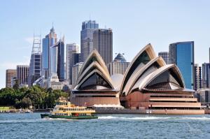 Südostasiens Exotik und Australien: Singapur - Äquatorüberquerung - Semarang - Benoa - Darwin - Great Barrier-Reef - Cairns - Brisbane - Sydney mit der MS Artania