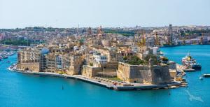 Von Valletta bis nach Genua mit MS Artania: Valletta - Sousse - Trapani - Cagliari - Palma de Mallorca - Barcelona - Ajaccio - Genua mit der MS Artania