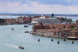 Von Venedig bis nach Valletta mit MS Artania: Venedig - Dubrovnik - Bari - Kerkyra - Pylos - Heraklion - Valletta mit der MS Artania