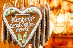 Weihnachtsmärkte entlang des Main-Donau-Kanals: Nürnberg - Regensburg - Straubing - Nürnberg mit der MS Adora
