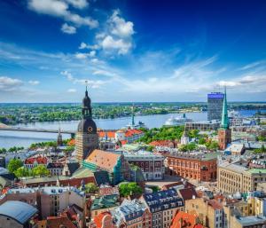 Weiße Nächte in der Ostsee: Bremerhaven - Nord-Ostsee-Kanal - Riga - Küdema Bay - St. Petersburg - Tallinn - Stockholm - Visby - Trelleborg  Bremerhaven mit der MS Albatros